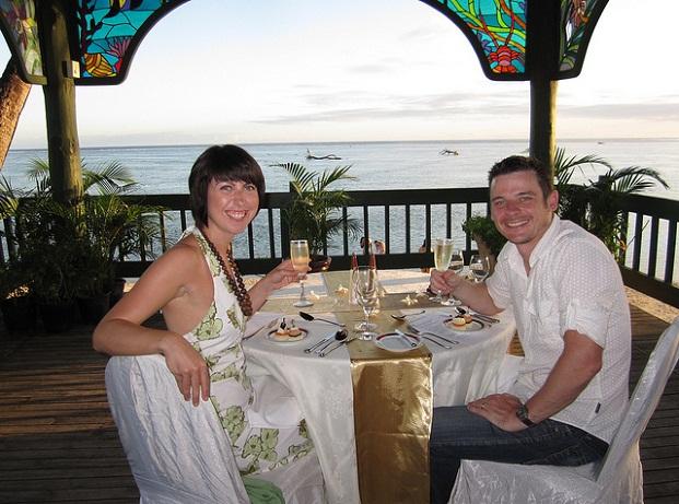 cabana-romantic-dinner